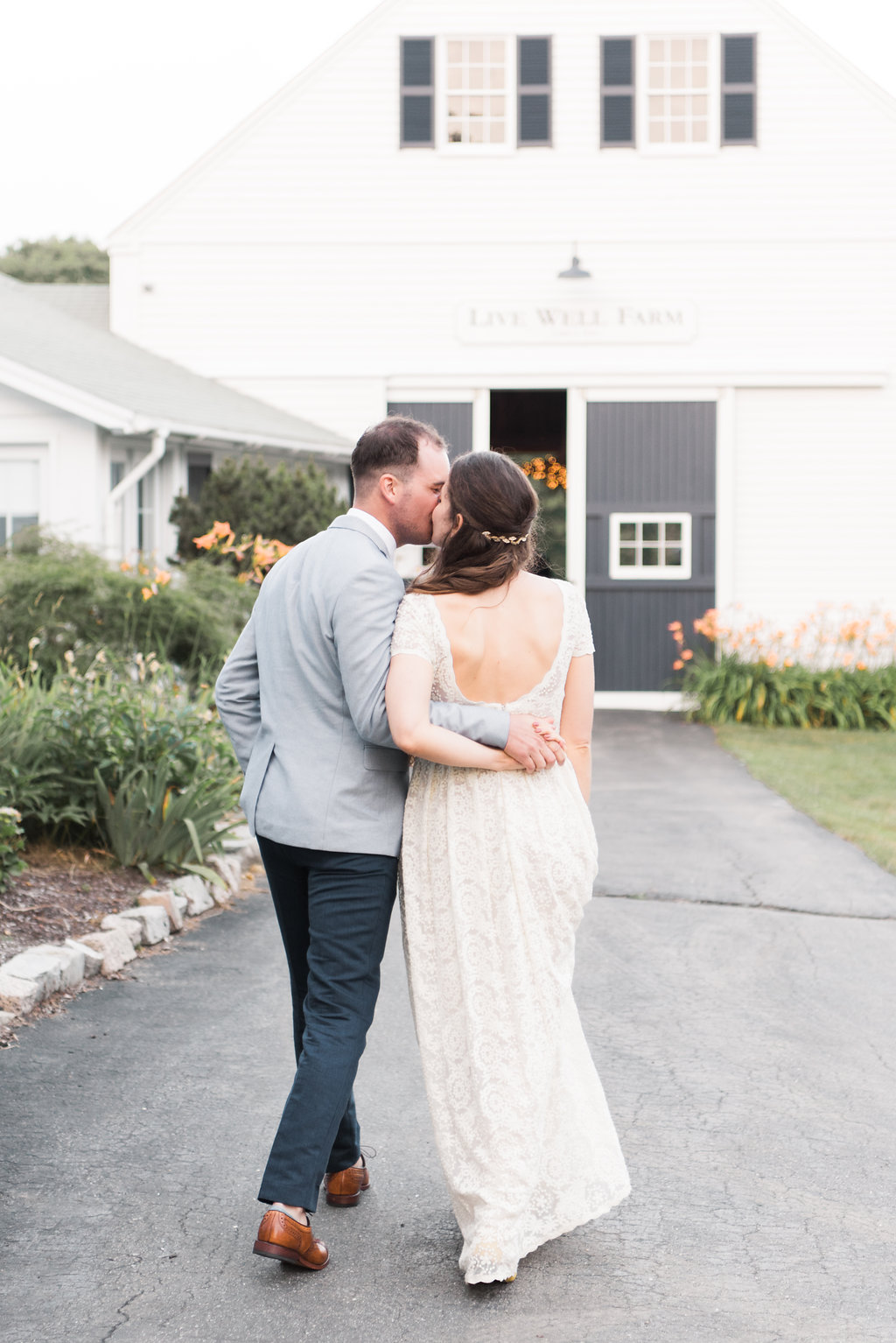maine barn farmhouse elegant wedding