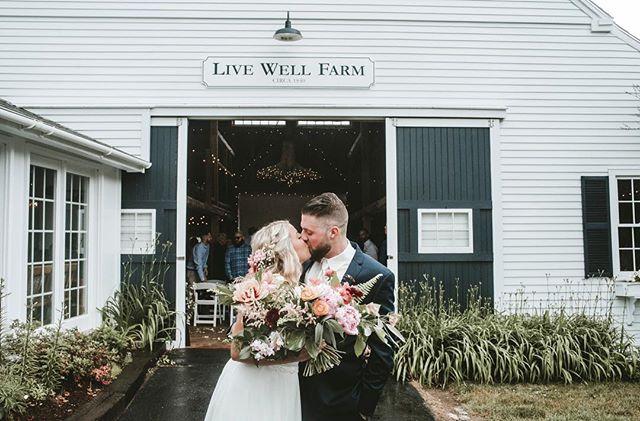 Whitney & Zach giving us all the lush floral vibes 🌺 ⠀ .⠀ #livewellfarm #becomingstephenson⠀ .⠀ Whitney + Zach | June 23, 2018 | Venue: @livewellfarm | Coordinator: @poevents | Catering: Kate Hodgkins | Bartending: Jake Coles, Jenna DeProspo | Music: @acousticpete | Tent: @coastalmainecanopies | Photography: @laurynsophia | Florals: @honeysuckleway | Dessert: @holydonutmaine ⠀ •⠀ •⠀ •⠀ •⠀ •⠀ #LiveWellLoveWell #CoastalWedding #FarmWedding #FarmWeddingVenue #MaineWedding #APWwedding #WeddingWireRated #NewEnglandWedding #RealWeddingInspiration #MaineWeddingVenue #BarnWedding #MarryInMaine #HuffPostIDo #WeddingPhotoMag #JoyWed #BackyardWedding #207weddings #RusticWeddingChic #WCvendor #RealMaineWeddings #TheMaineBride #ItStartedWithYes #GreenWeddingShoes #TodaysWedding