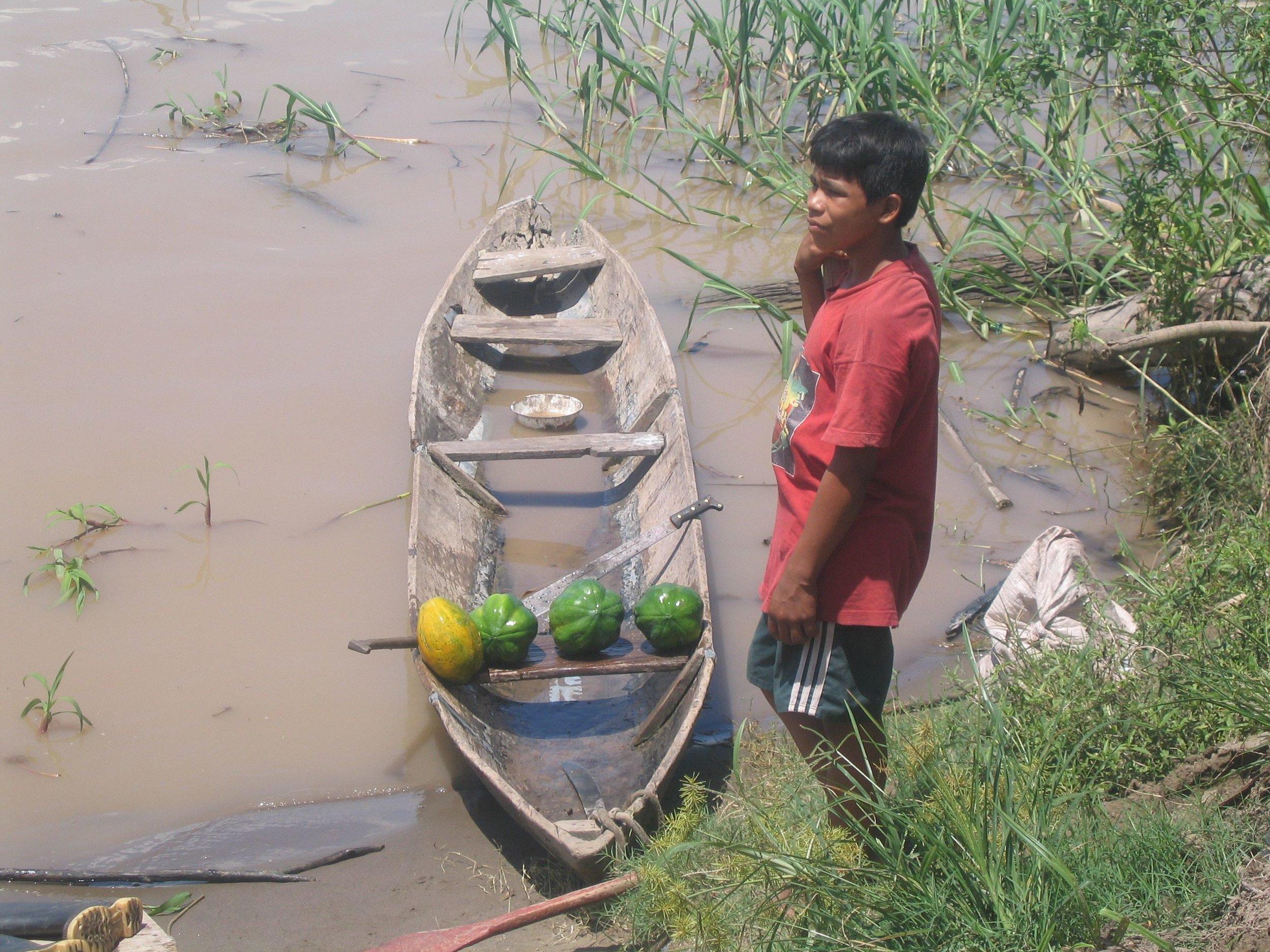fruit boat peru.jpg