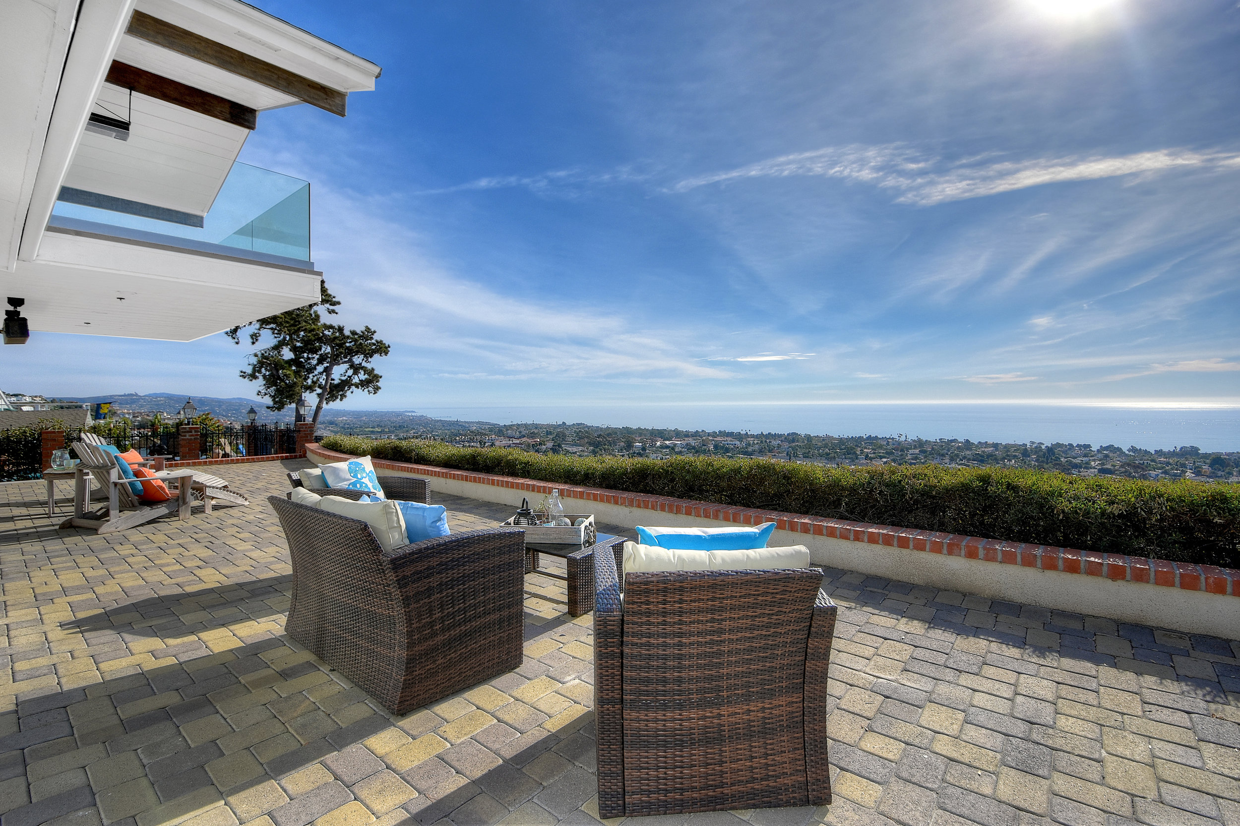 SOLD FOR $2,200,00   San Clemente  5 BR | 4 BTH | 1,964 SQ/FT