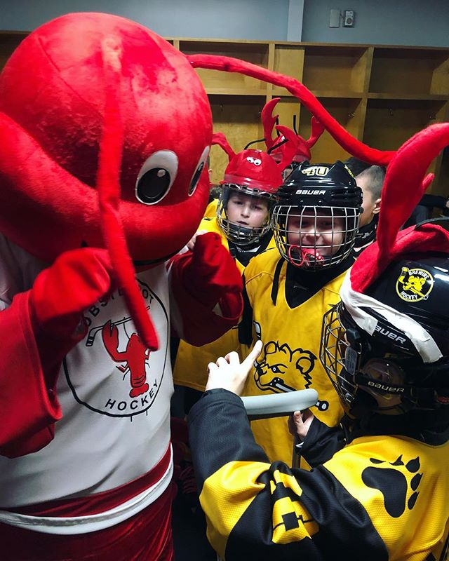Pep talks with Larry. #lobsterpothockey