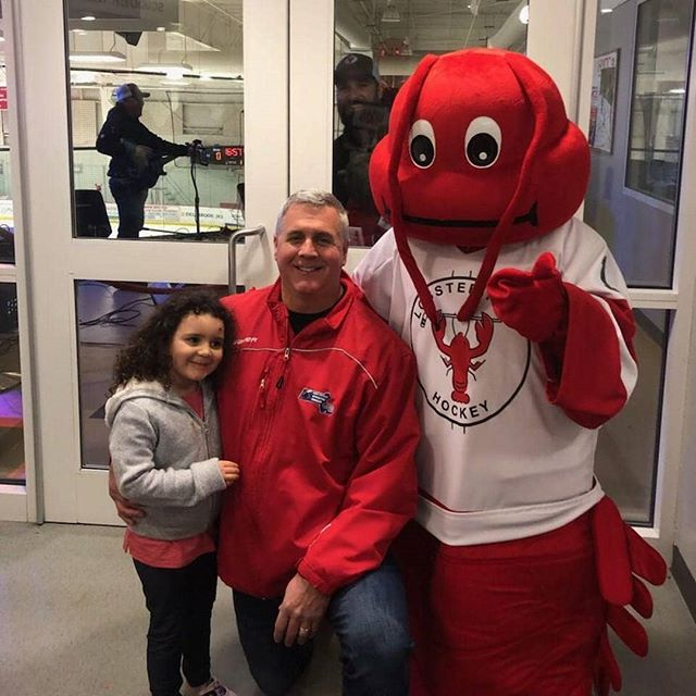 Nice pic with Larry and even better photobomb by @dustindevlin! #lobsterpothockey