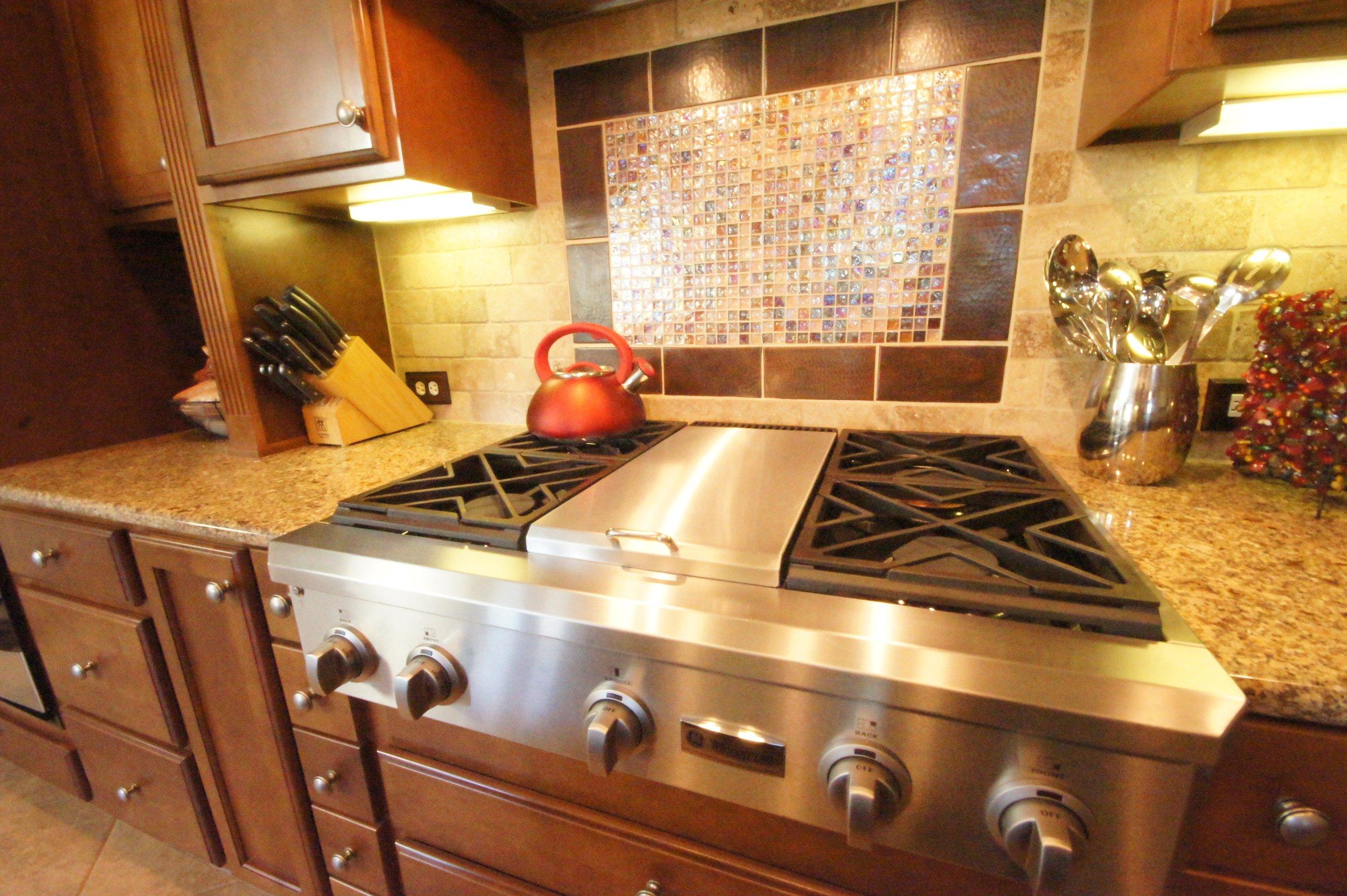 kitchencooktop1.jpg