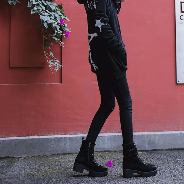 We're embracing the dark side in our combat boots . . . #gothboots #gothicstyle #gothlook #blackonblack #suedeboots #styleicon #goth #punkrockstyle #punkstyle #combatboots #laceupboots #platformboots #flatform #fallboots #winterstyle #winterboots