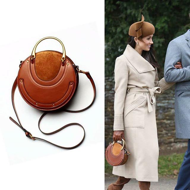 Love Megan's First Royal holiday look? Get a dupe of her handbag on our site! . . . #meganmarkle #royalfamily #theroyals #meganmarklestyle #designerdupe #designerfashion #handbags #holidaylook #holidaystyle #fashioninspiration #styleinspiration #leatherhandbag #fashionhandbag