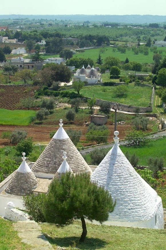 The Valle d'Itria with its magical trulli houses is where we'll ride and explore!