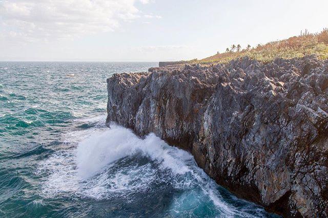 Powerful waves 🌊
