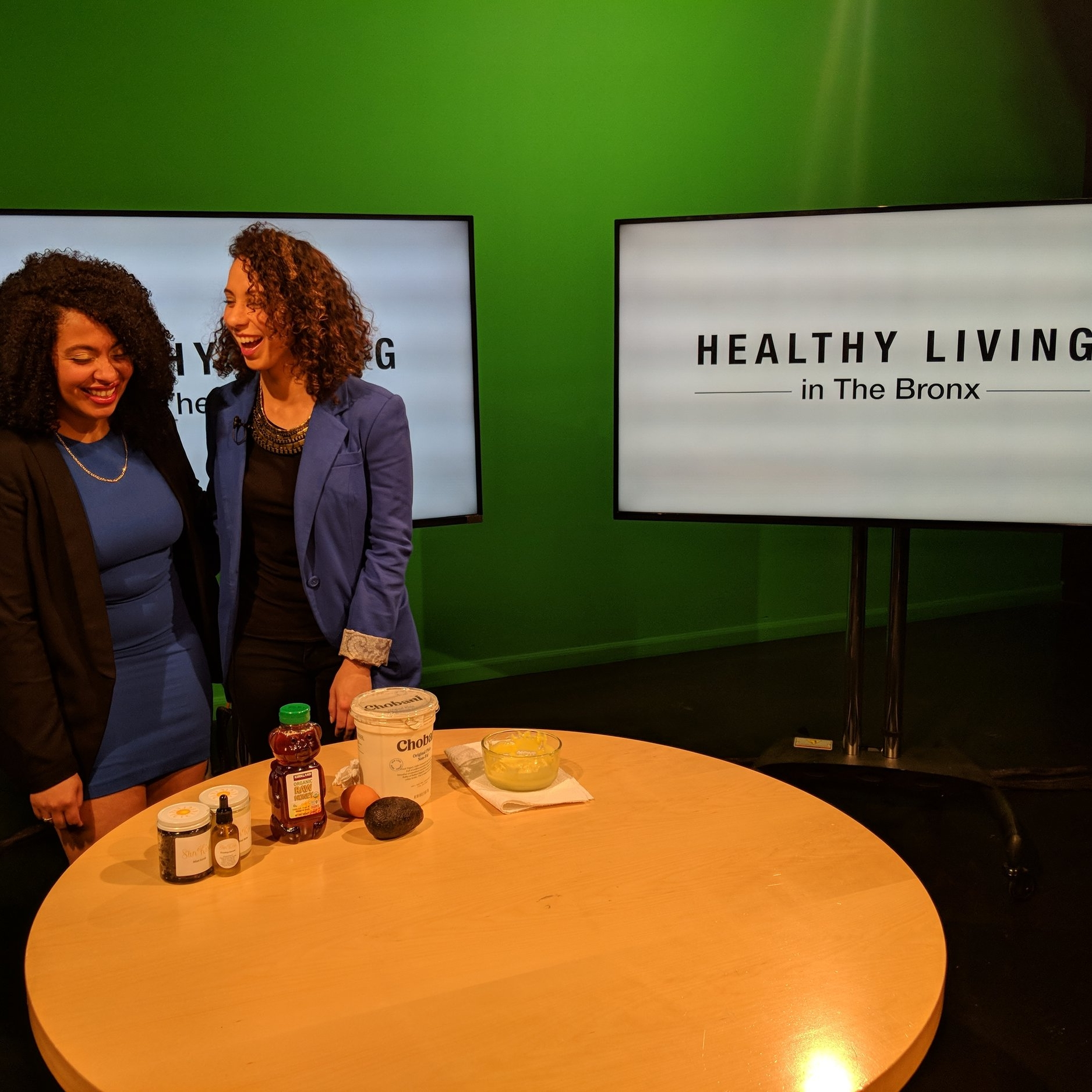 HEALTHY LIVING IN THE BRONX ON BRONXNET TV - Host Mary Vin Rose talks to Health Coach & Skin Care Artisan Jessica Jade about her struggles with Celiac Disease and why Organic Beauty has changed her life. In this episode, they share how to make a DIY facial mask at home.