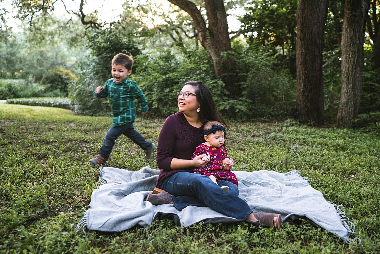 natural-light-family-photographer-austin_0171.jpg