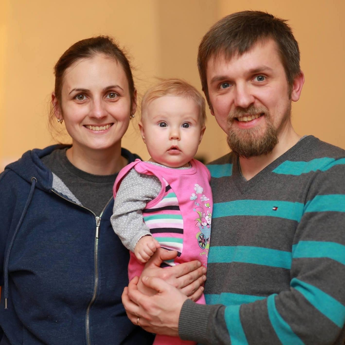 Sasha, Yulia and baby Kiera - Aug 2016