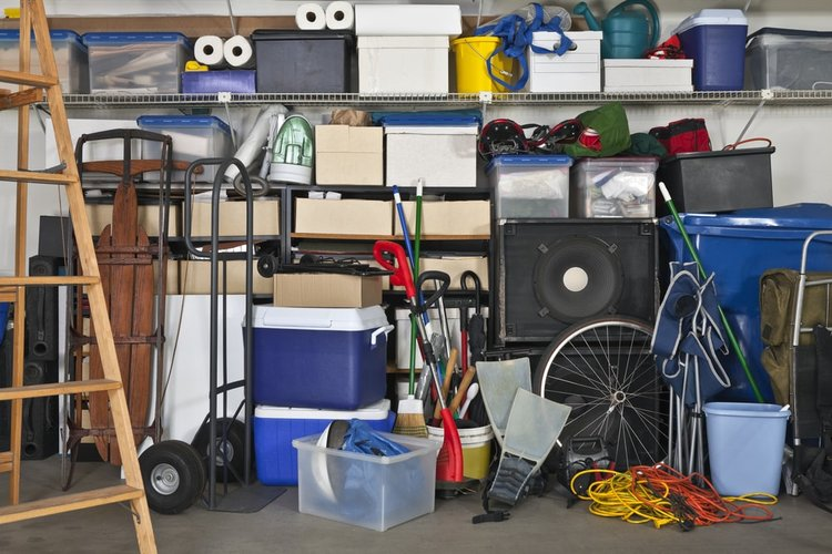 before buying a home in retirement, make sure to declutter your home