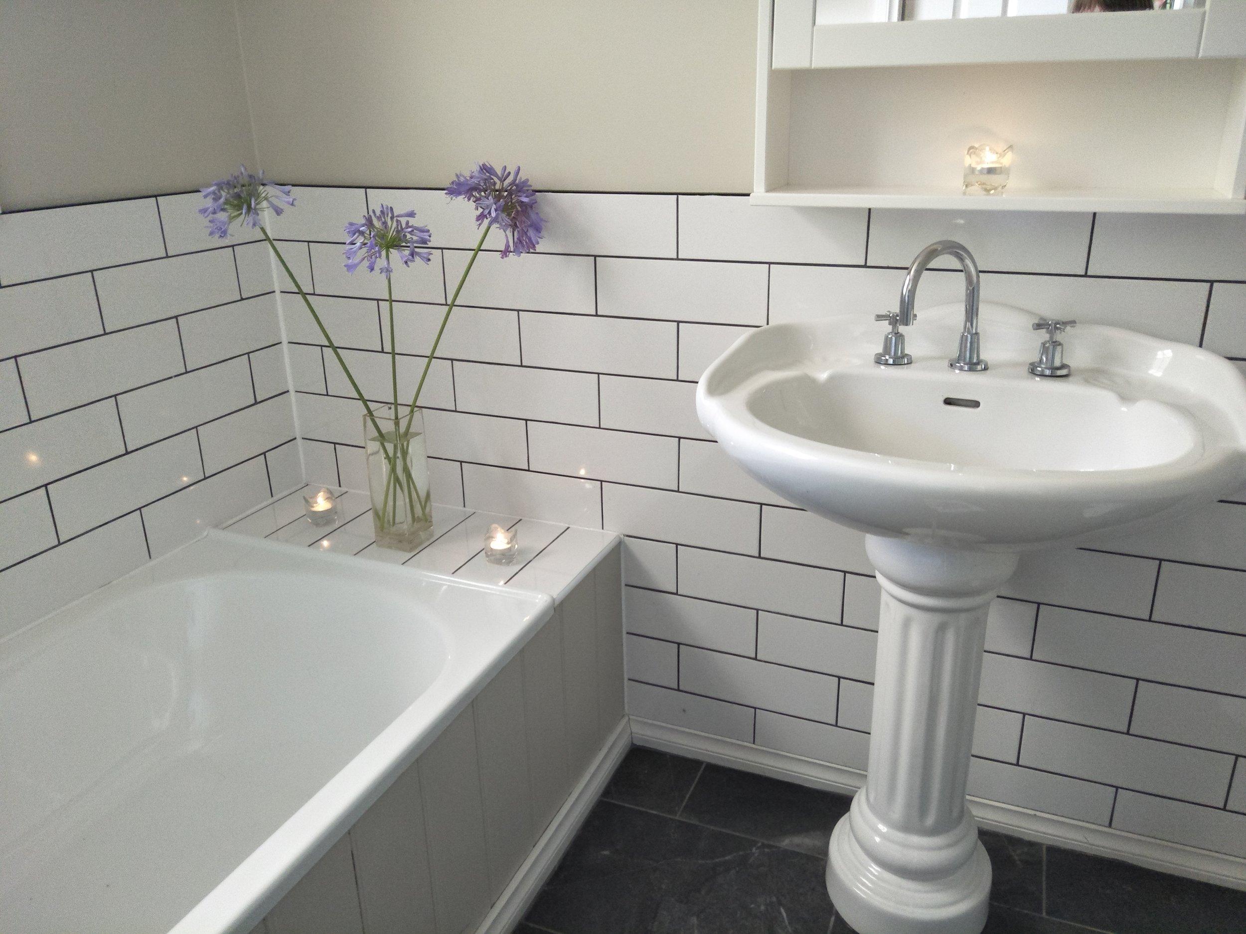 Garden view bathroom.jpg