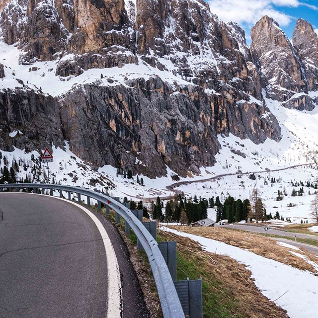 Had a really great day today chasing the crew and guests of @gruppetto_cycling_tours around the #sellaronda route in the Dolomites.