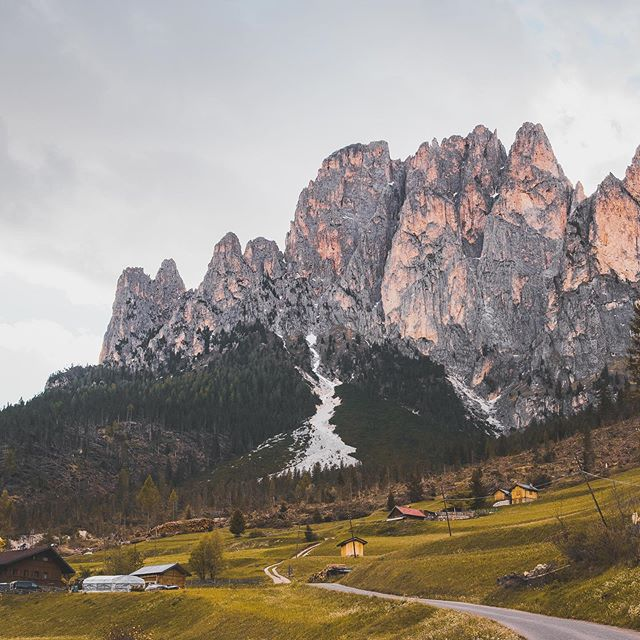 Exploring around Canazei. I can't get enough of the #dolomites