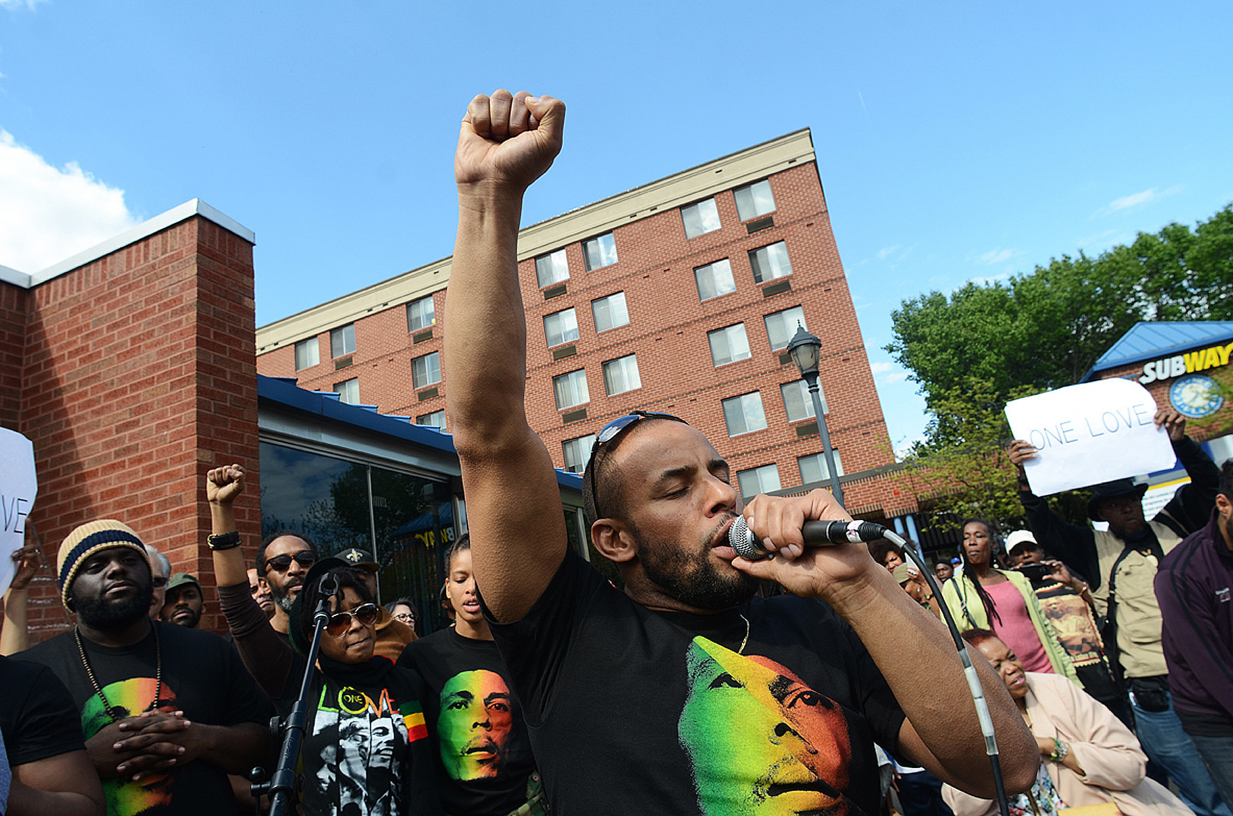 bcpnews-radio-free-baltimore-the-songs-that-soundtracked-the-baltimore-uprising-20150505.jpg