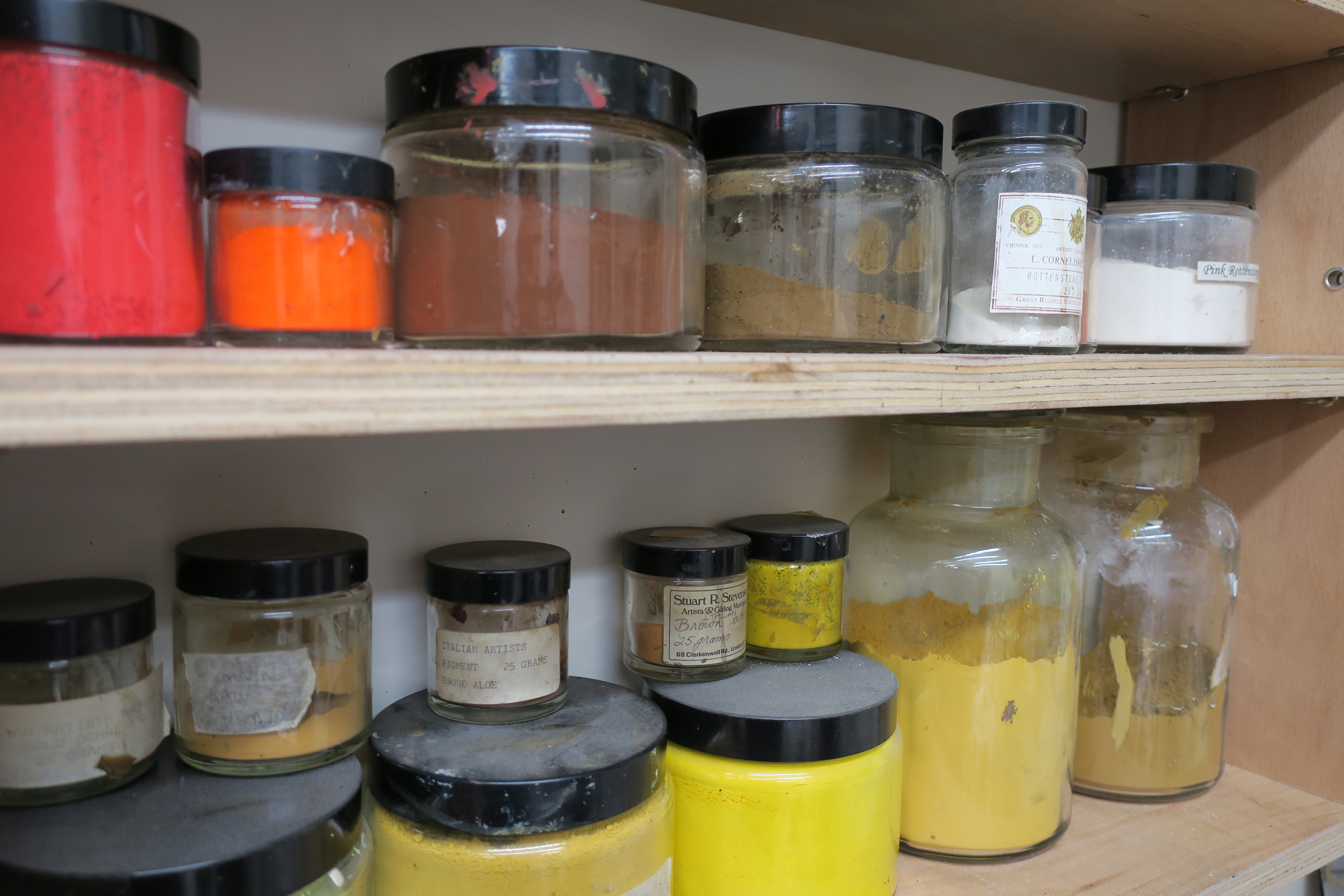 Arnold-Wiggins-and-Sons-Pigments.jpg