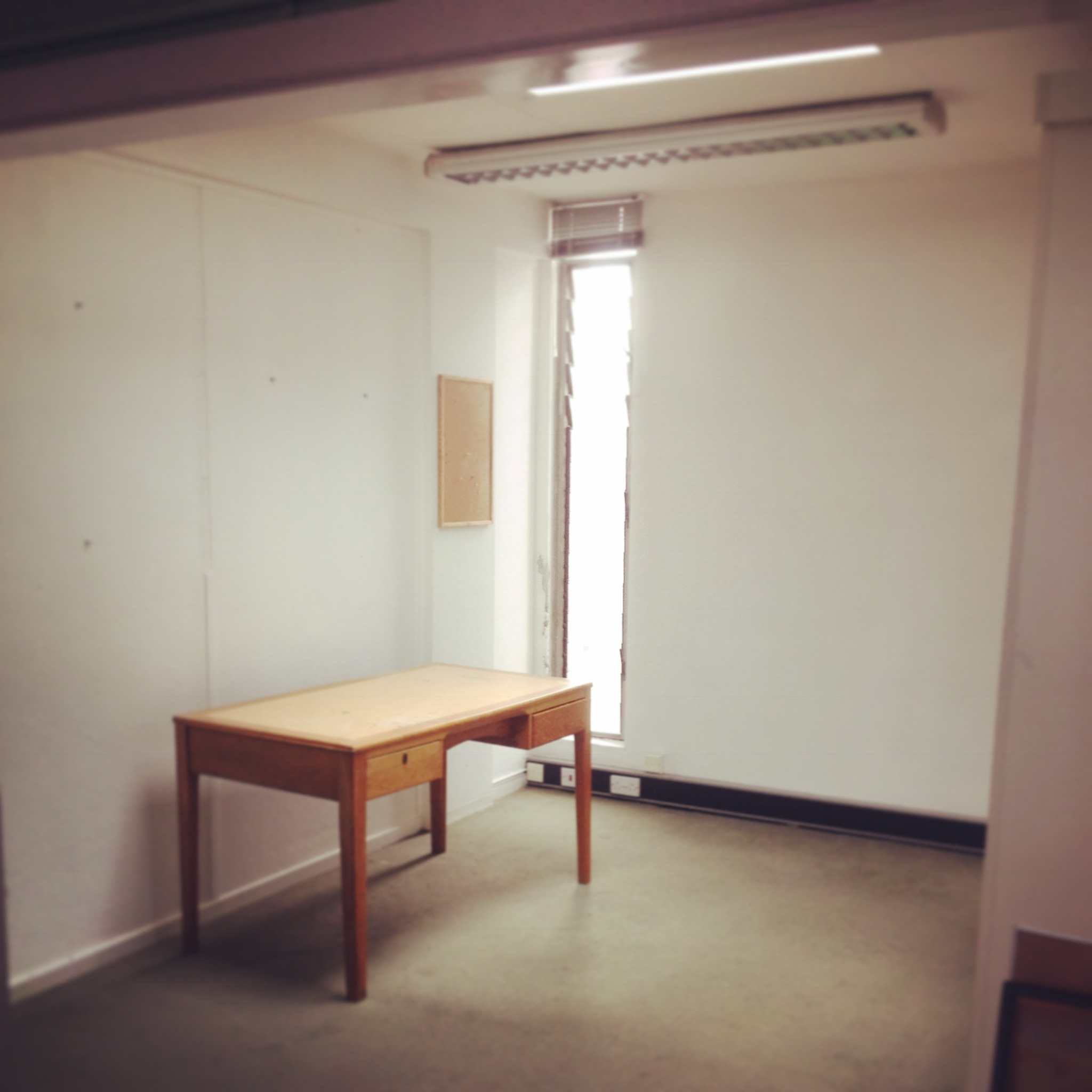 Studio Available from Mid January - Top Floor , Open plan studio space available£145 per calendar monthIncludes Wifi, Rates, Water, Electric24/7 access to your studio space.
