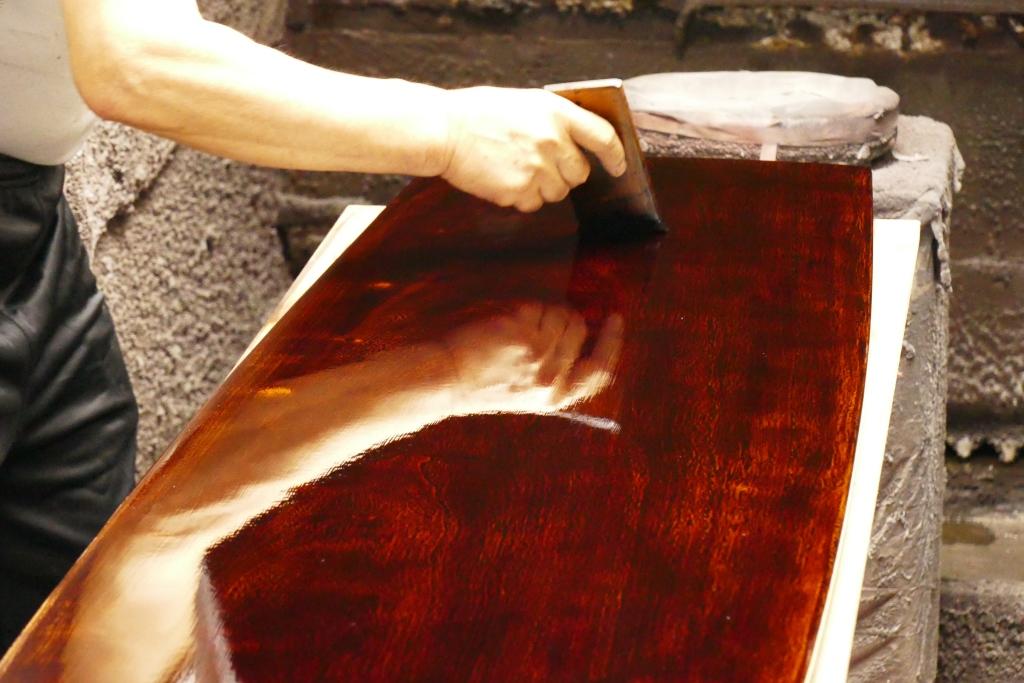 ウルシアライア 塗り工程で蒔絵も含めて約5か月かかりました