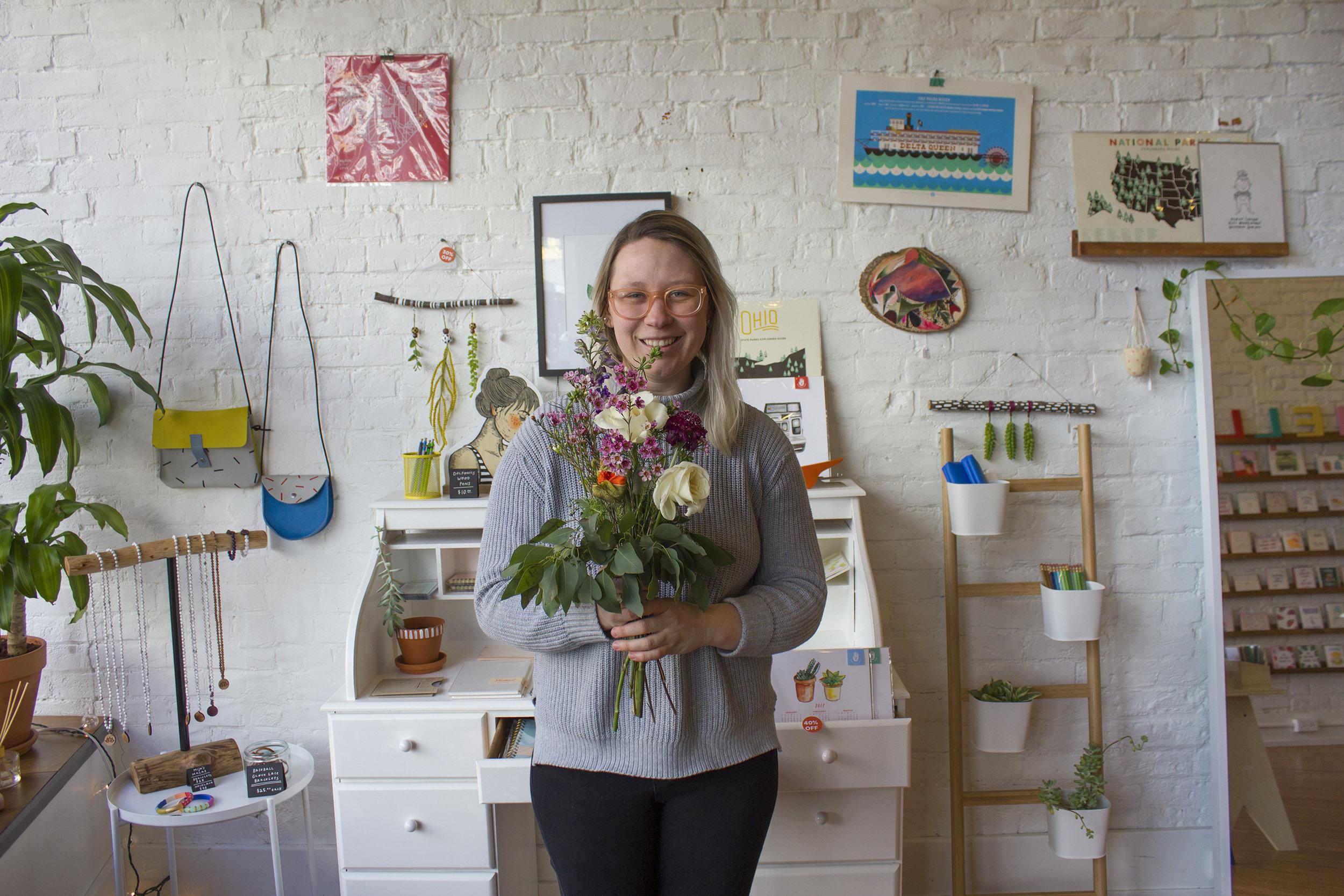 handzy valentines day workshop cincinnati covington Suzy Strachan Flowers