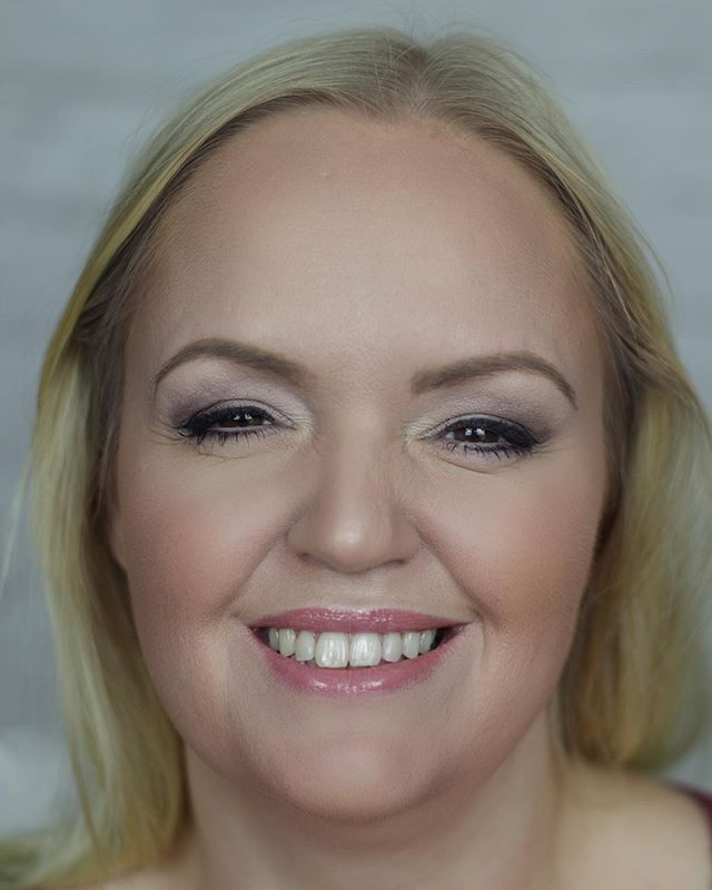 Happy bride to be during trial, focus was on the skin to create an even, flawless finish with some definition to the skin #beforeandafter #naturalmakeup #beforeandaftermakeup #thepowerofmakeup #fullcoveragemakeup #blondebride #makeup #makeupartist #undiscoveredmua #berkshiremakeupartist #hertfordshiremakeupartist #buckinghamshiremakeupartist #mua #hampshirebridalmakeupartist #surreyweddings #essexmua #picoftheday #instalife #hannahsmakeup #bridalmakeup #weddingmakeup #bride #makeuptrial #highlightandcontour #contouringandhighlighting #contouring #baking