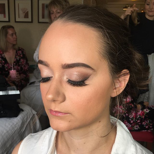 Smokey Eye // a very simple smokey eye topped with lashes..perfect for a bridesmaid look #bride #bridalmakeup #bridesmaids #bridesmaidmakeup #bridesmaid #bridalparty #weddingmakeup #wedding #lashes #flawless #softglam #mua #makeupartist #hampshiremakeupartist #surreywedding #surreymakeupartist #noedit #picoftheday #instabride