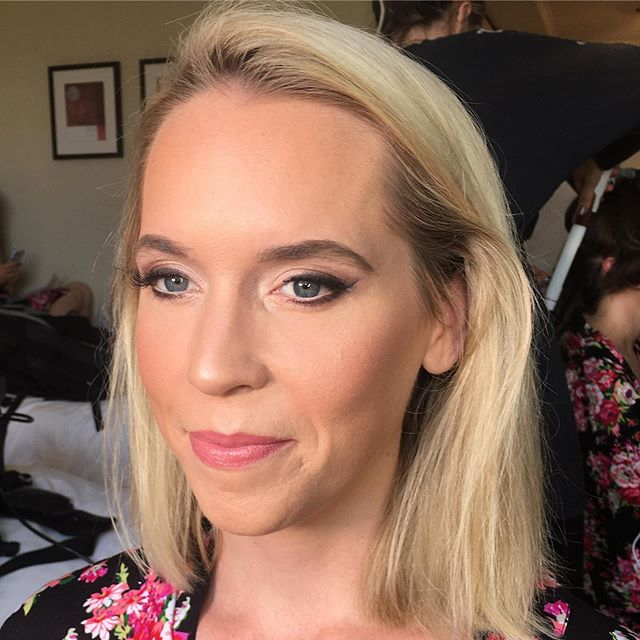 Glowing // clean and simple bridesmaid makeup because we all know the bride needs to be centre of attention. Flawless glowing slightly contoured skin and a subtle smokey eye with lashes and pink lips #anastasiabeverlyhills #beccacosmetics #makeup #mua #bridesmaids #bridesmaidsmakeup #bridalmakeuo#bride #wedding #weddingday #undiscovered_muas #bridalmakeupartist #pinklips #lashes #smokeyeye #contour #highlighting #glow #naturalmakeup #weddingday #bridalparty #blonde #noedit #hampshiremakeupartist #hampshirebridalmakeupartsist #surreymakeupartist