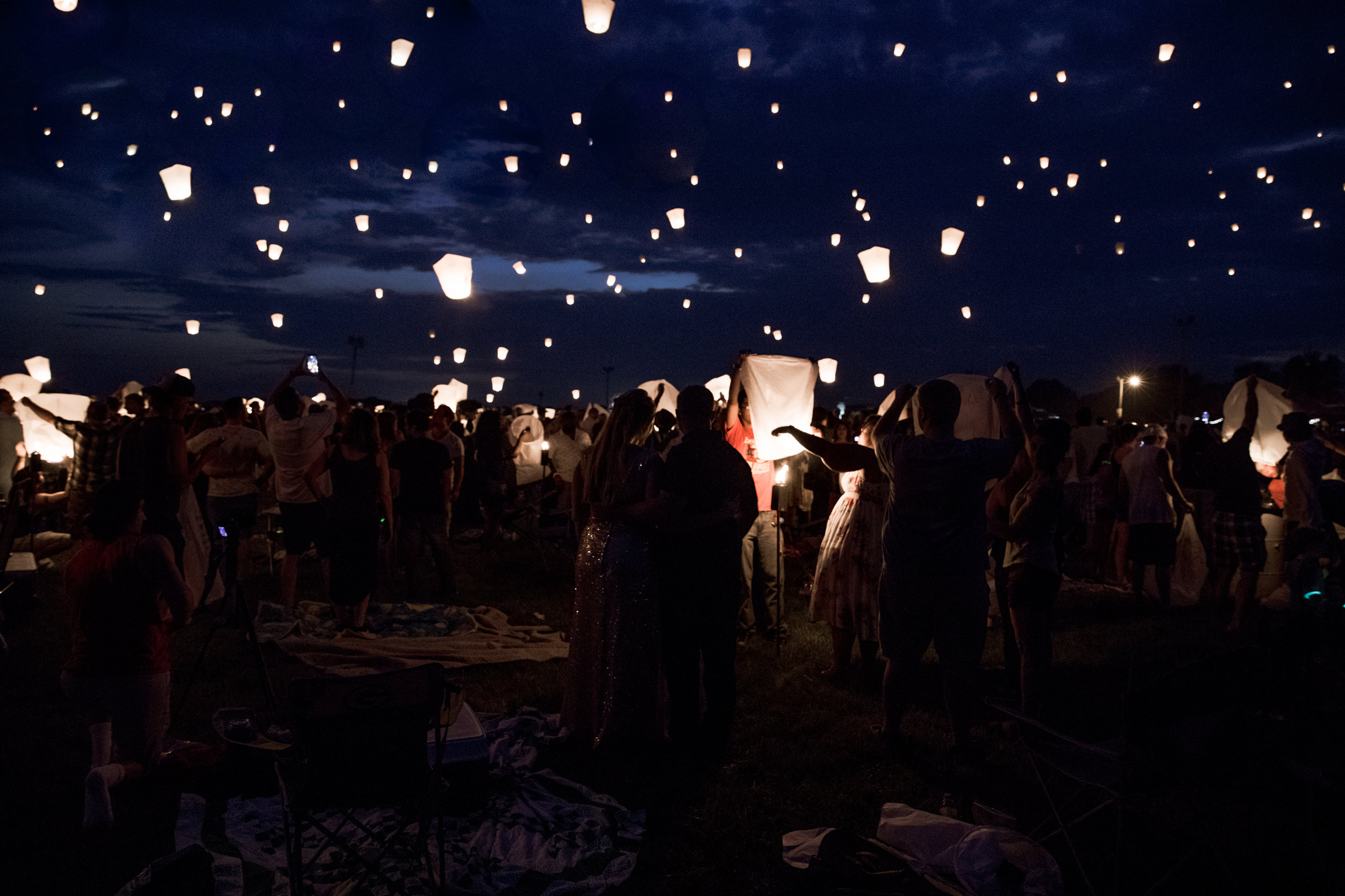Milwaukee Engagement - Elopement Photographer - Lantern - Wedding Photographer
