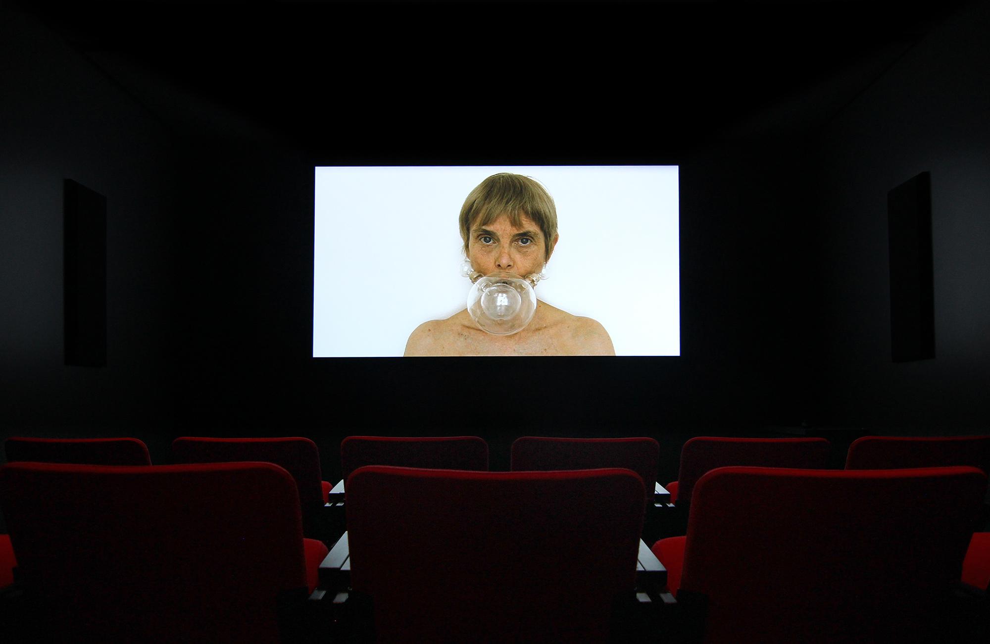 © Chantal duPont, Visages (2013). Exhibition view. Photo: Veronica Mockler.