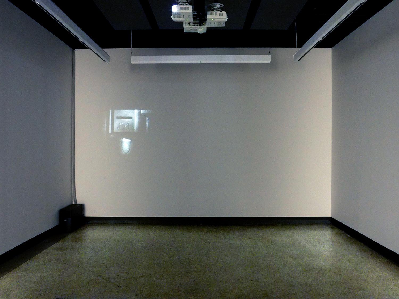 © Jacinthe Lessard-L.,  La chambre inversée exhibition view (2014).Photo: Dazibao.