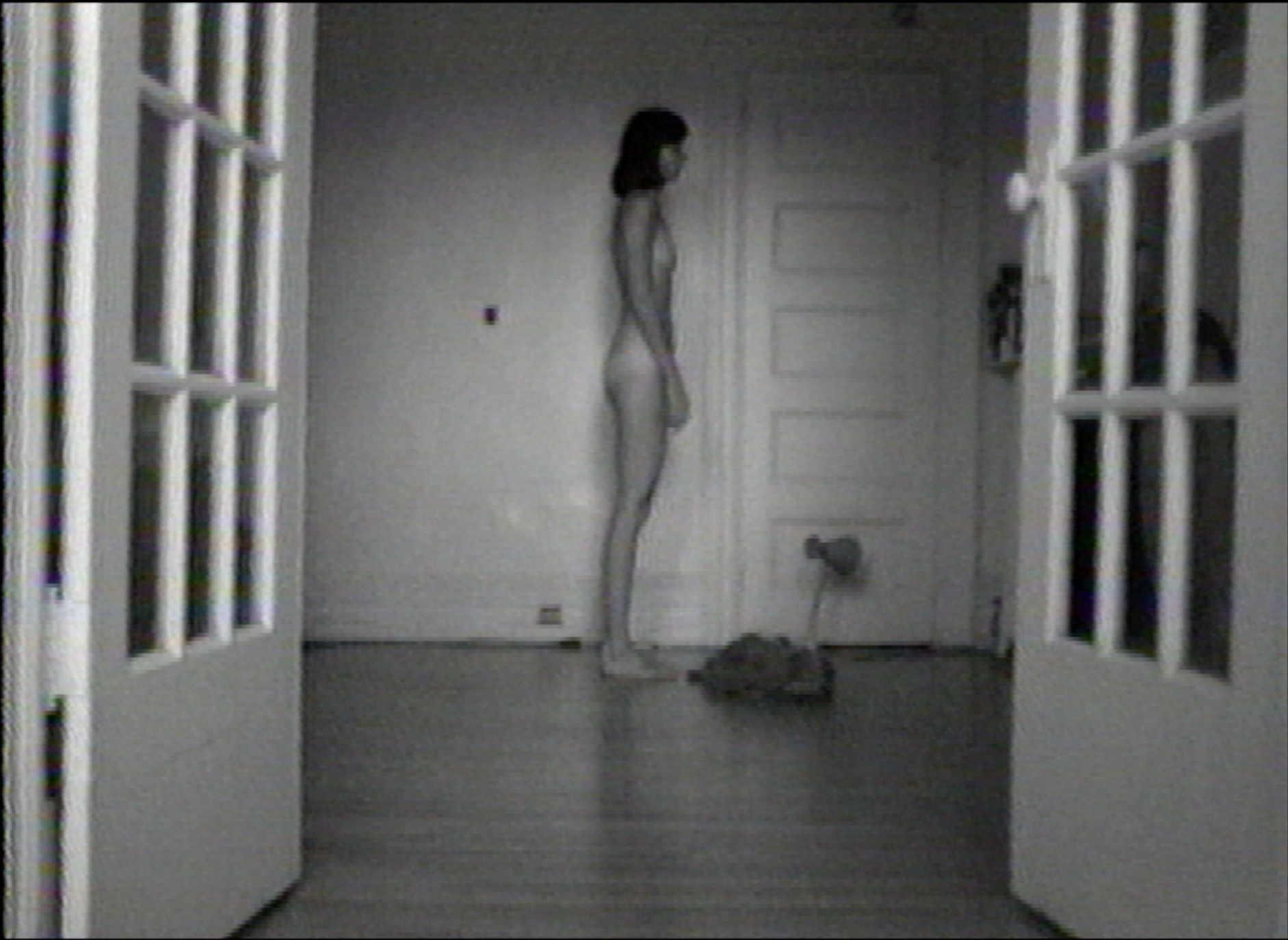 ©Lisa Steele, Birthday Suit with Scars and Defects (1974). Video still.
