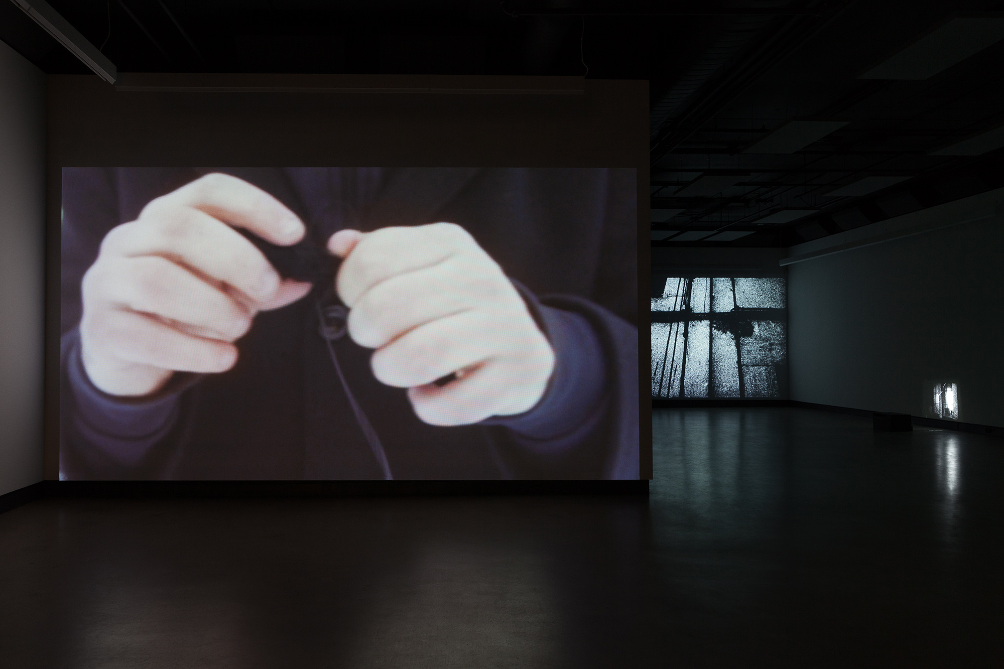 © Exhibition view,  Ismaïl Bahri + James Benning + Ralitsa Doncheva + Miriam Sampaio  (2018). Photo: Marilou Crispin.