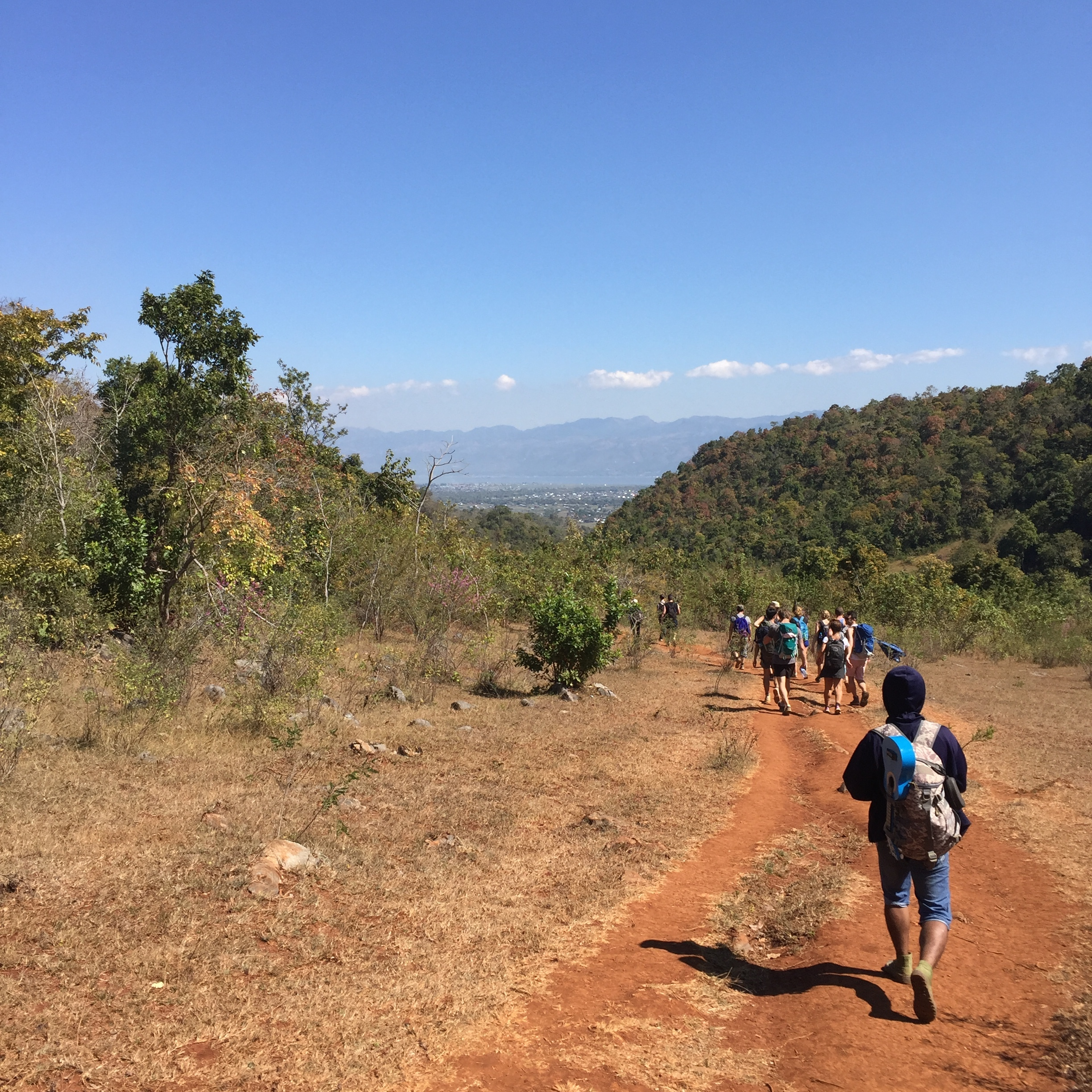 The final descent down to Inle.