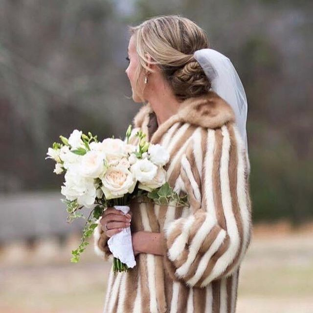 Bundle up! . . . . #weddingflowers #flowers  #weddingdesign #southernwedding #stylemepretty #alabamawedding #alabamabride #persuepretty #thehappynow #becreative #thatsdarling #weddingwire #weddingdesigner  #birminghamwedding #soloverly #greylikesweddings  #birminghambride #instawedding #huffpostido #oncewed #instawed #thehappynow #loveauthentic #junebugweddings #thatsdarling #flashesofdelight #bhamwedding