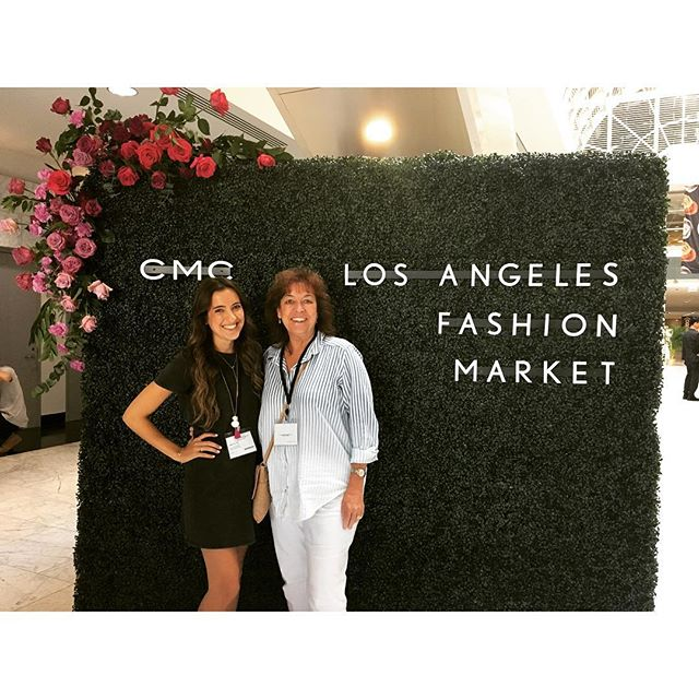Learning how to be entrepreneurs in LA this week. Glad to have my best friend and support system by my side. New and exciting things to come in 2018 my friends. #thesimpleRae #CentralCoastBlogger