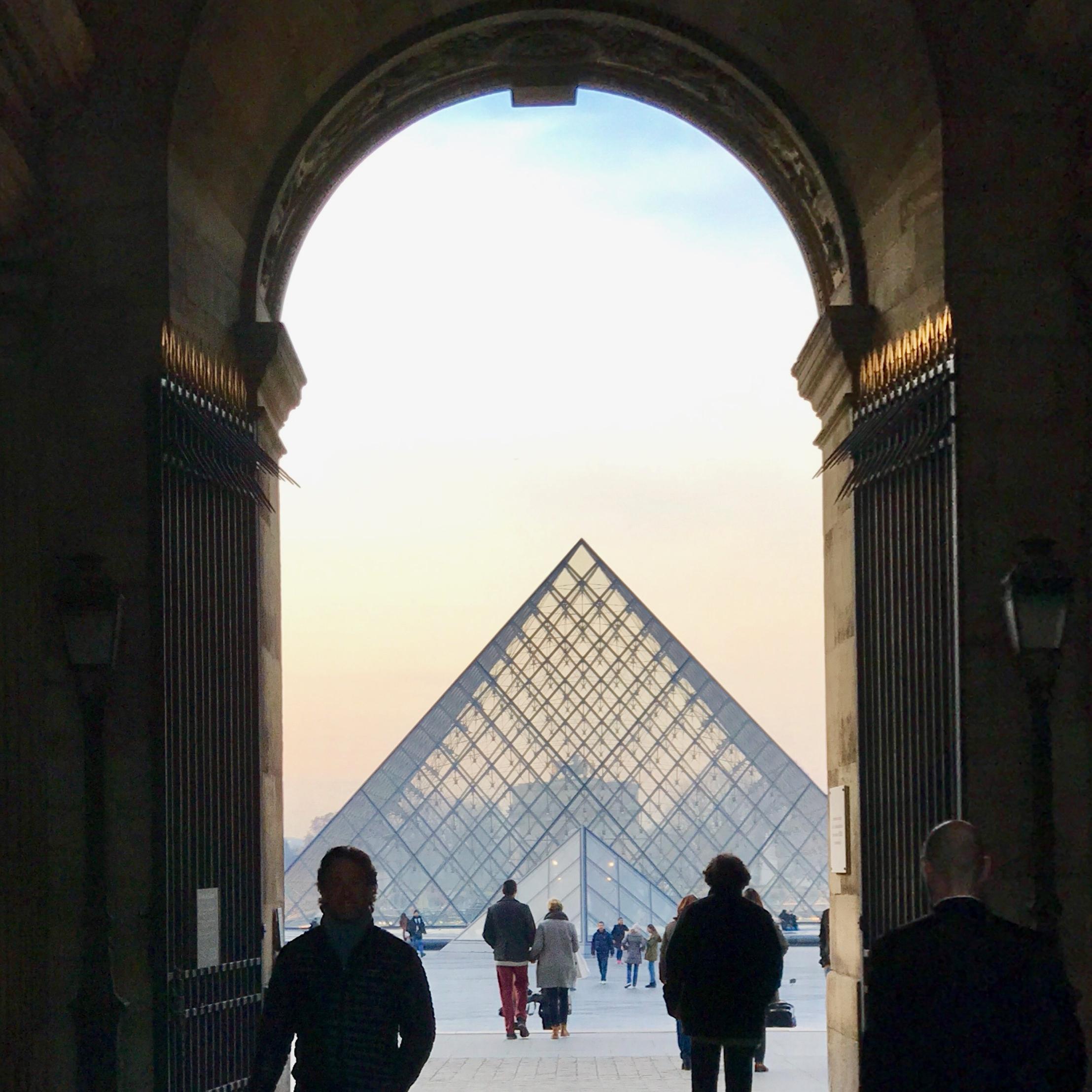 La Pyramide de Pei au Musée du Louvres