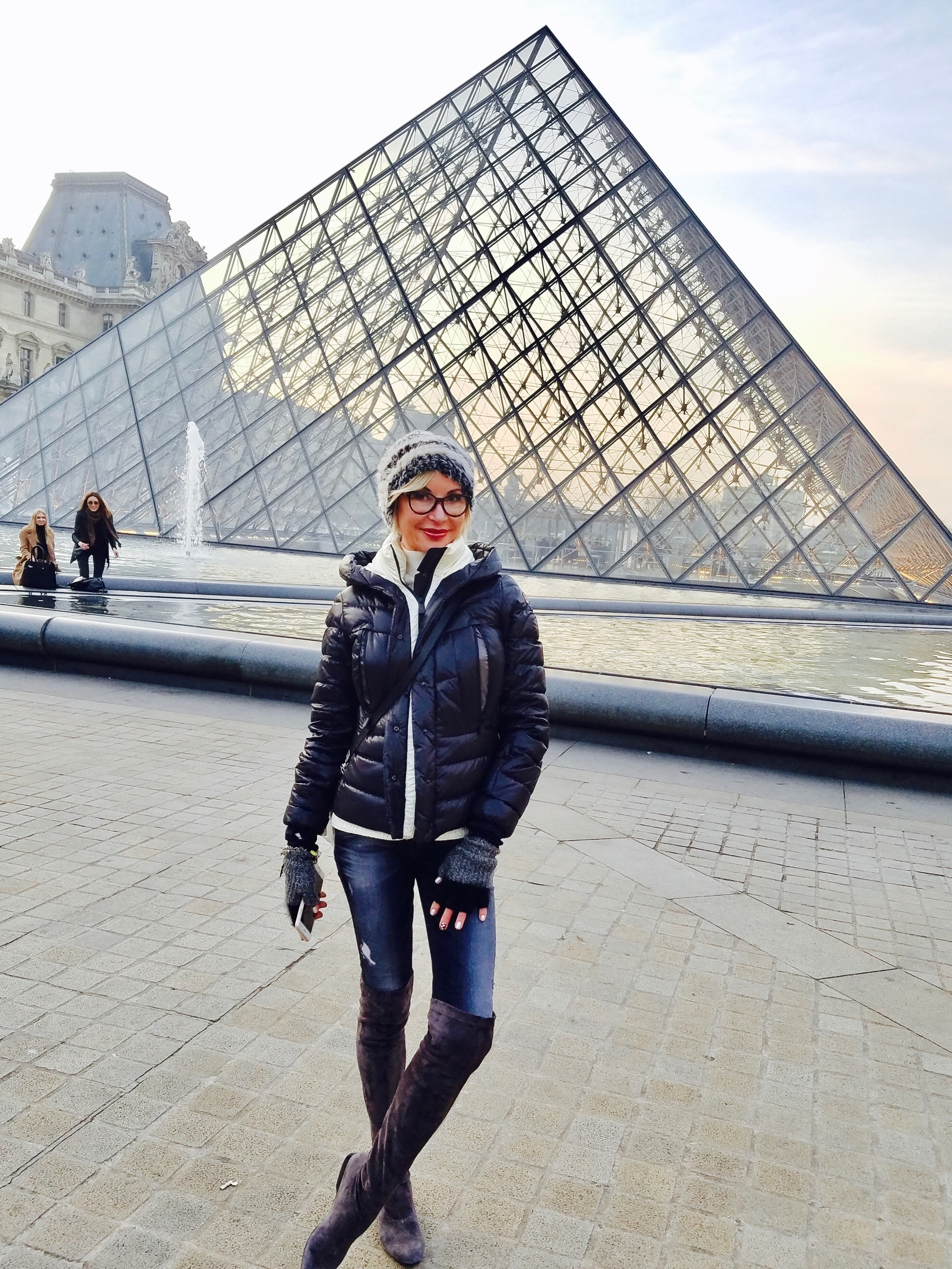 All bundled up in front of the PEI PYRAMIDE in the Louvres (outside)