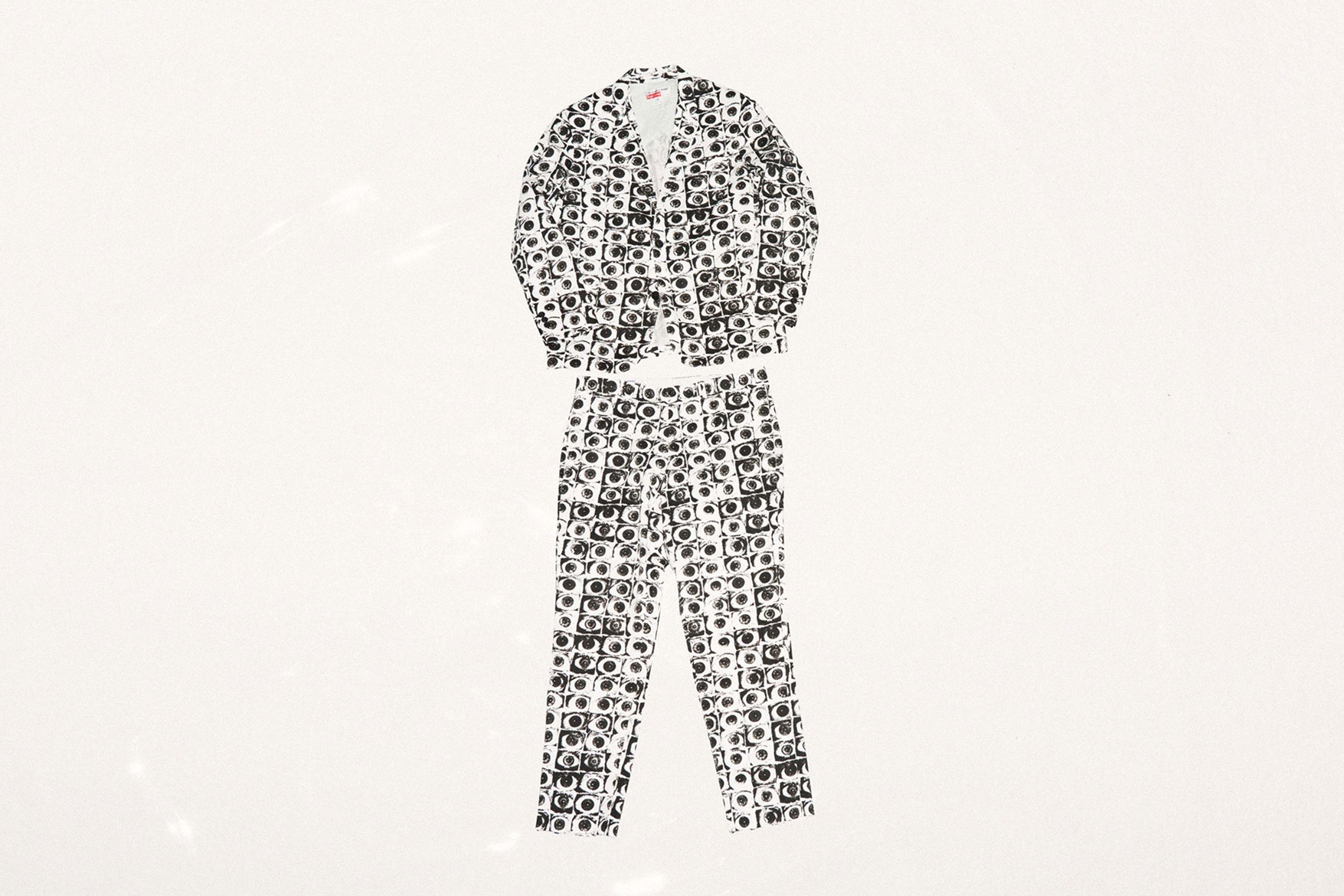 http---hypebeast.com-image-2017-04-supreme-comme-des-garcons-shirt-2017-spring-summer-collection-white-gabardine-suit-7.jpg