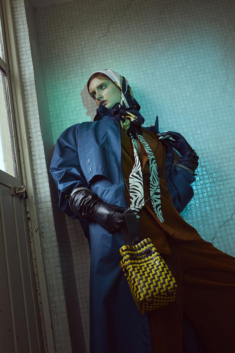 saco, pantalones y aretes   H&M Studio   gabardina   Riangear   mascadas vintage guantes   Balmain   x H&M   bolsa   Truss NYC   botas del mercado de Zapopan