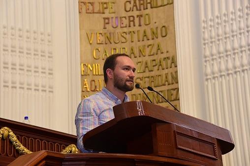 Temístocles Villanueva, diputado defensor de los derechos LGBTI en la Ciudad de México.