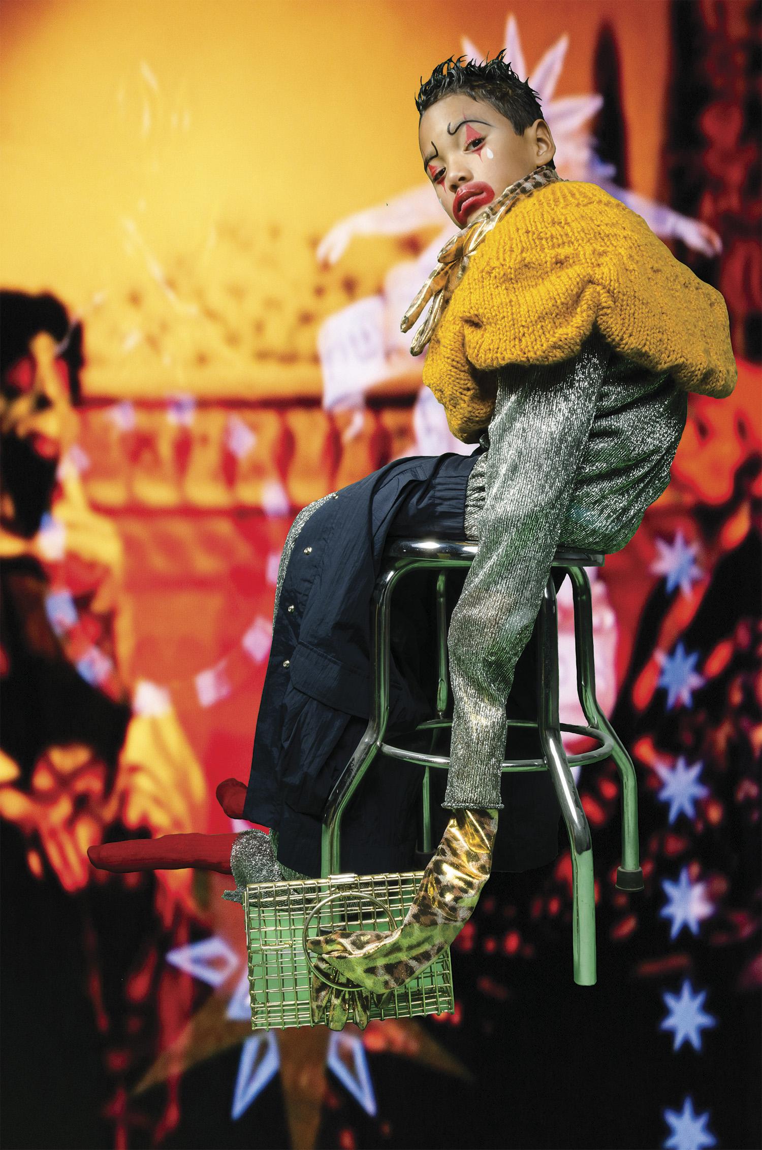 Falda tejida: Bee by Lia Sordo Jumpsuit y guantes: Raúl Orozco Falda: AYCH Bolso: ANNDRA NEEN