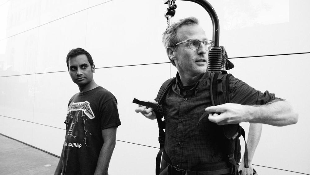 Aziz Ansari y Spike Jonze en la producción de Aziz Ansari: Right Now. Imagen: Variety