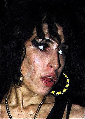 Amy Winehouse una noche cualquiera.