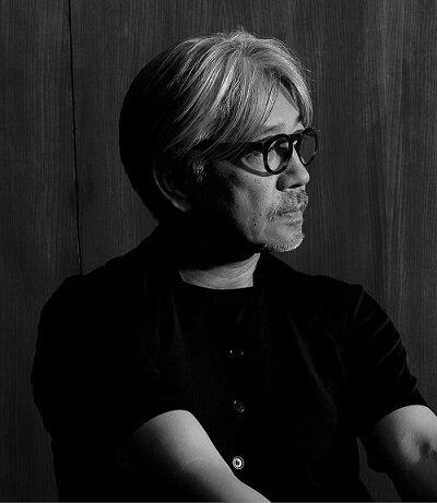 Ryuichi_Sakamoto_side.jpg
