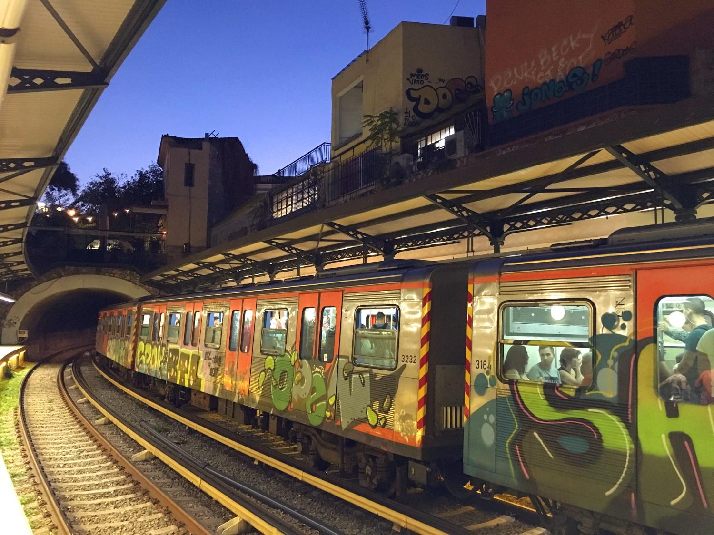 Location : On an Athens Metro train, taken at Monastiraki Metro Station