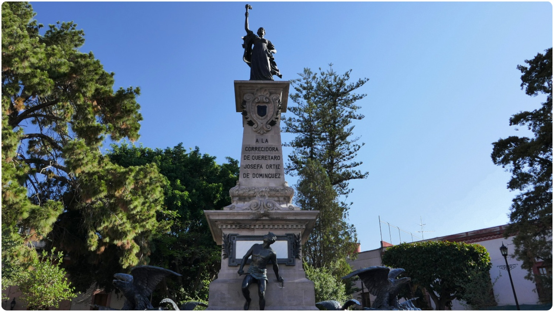 The Corregidora monument is located in the Plaza de la Corregidora in Santiago de Queretaro, Mexico.