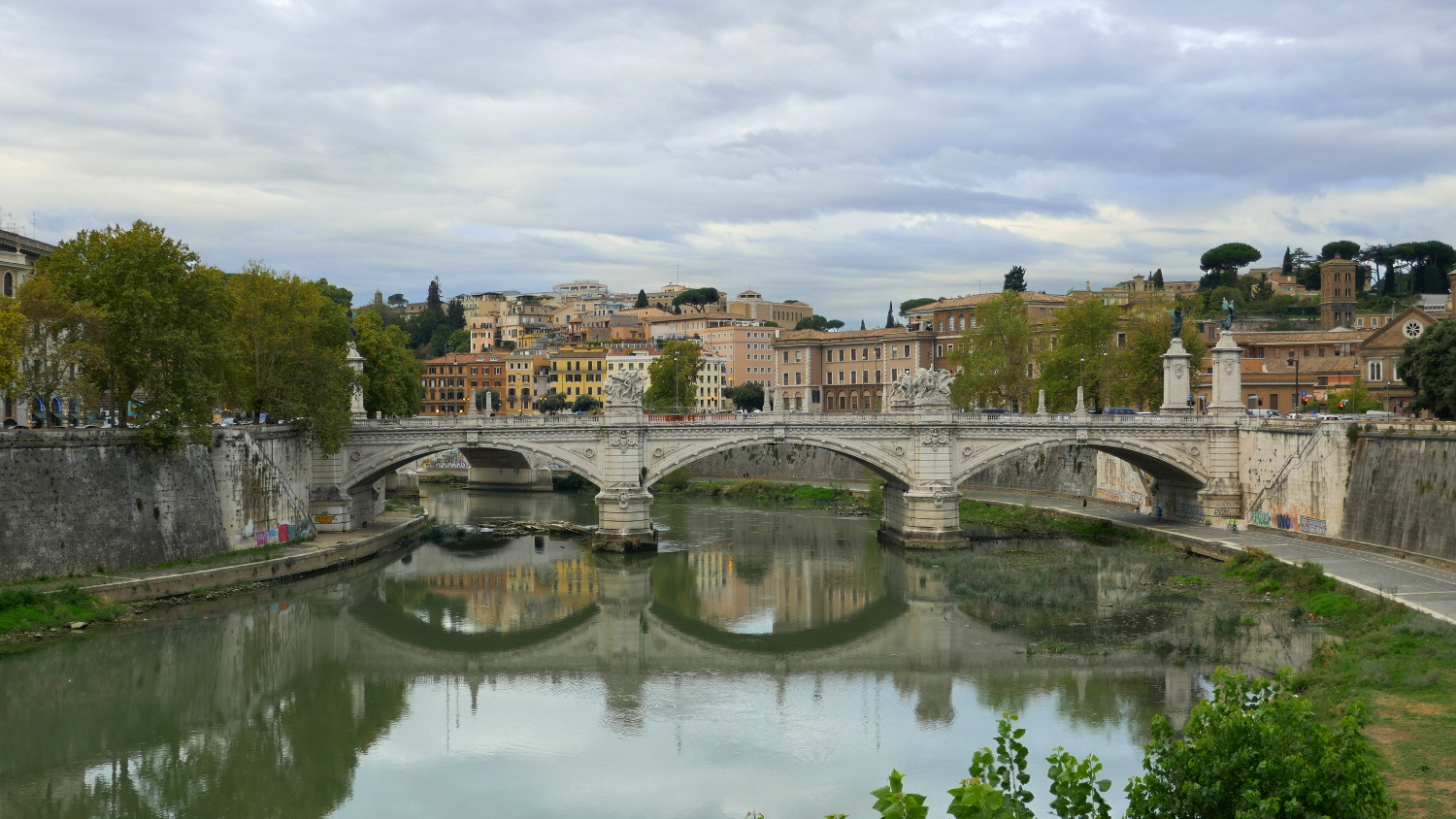 Ponte Vittorio Emanuele II and the River Tiber, Rome, Italy