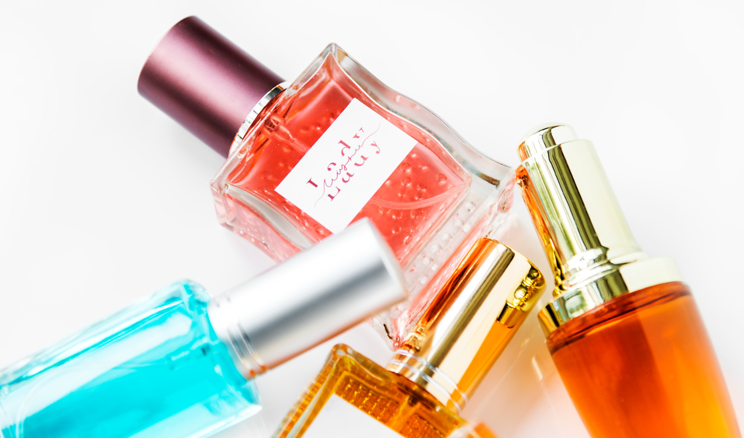 A touch of perfume can change the way you feel and hold yourself, therefore transforming your whole look!