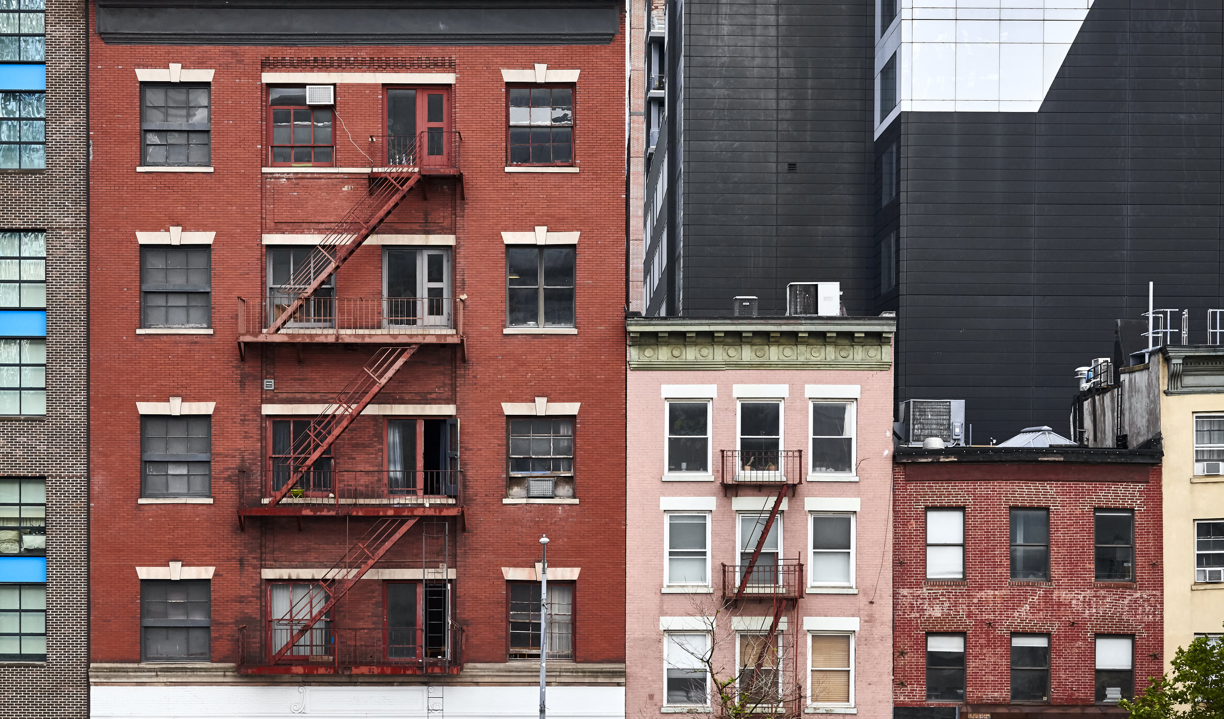 apartments in new york city, expensive rental costs. One bedroom apartment home rent price. monthly budget travel expenses FI/RE financially independent Financial Independence Retire Early keep a budget finances savings money how to
