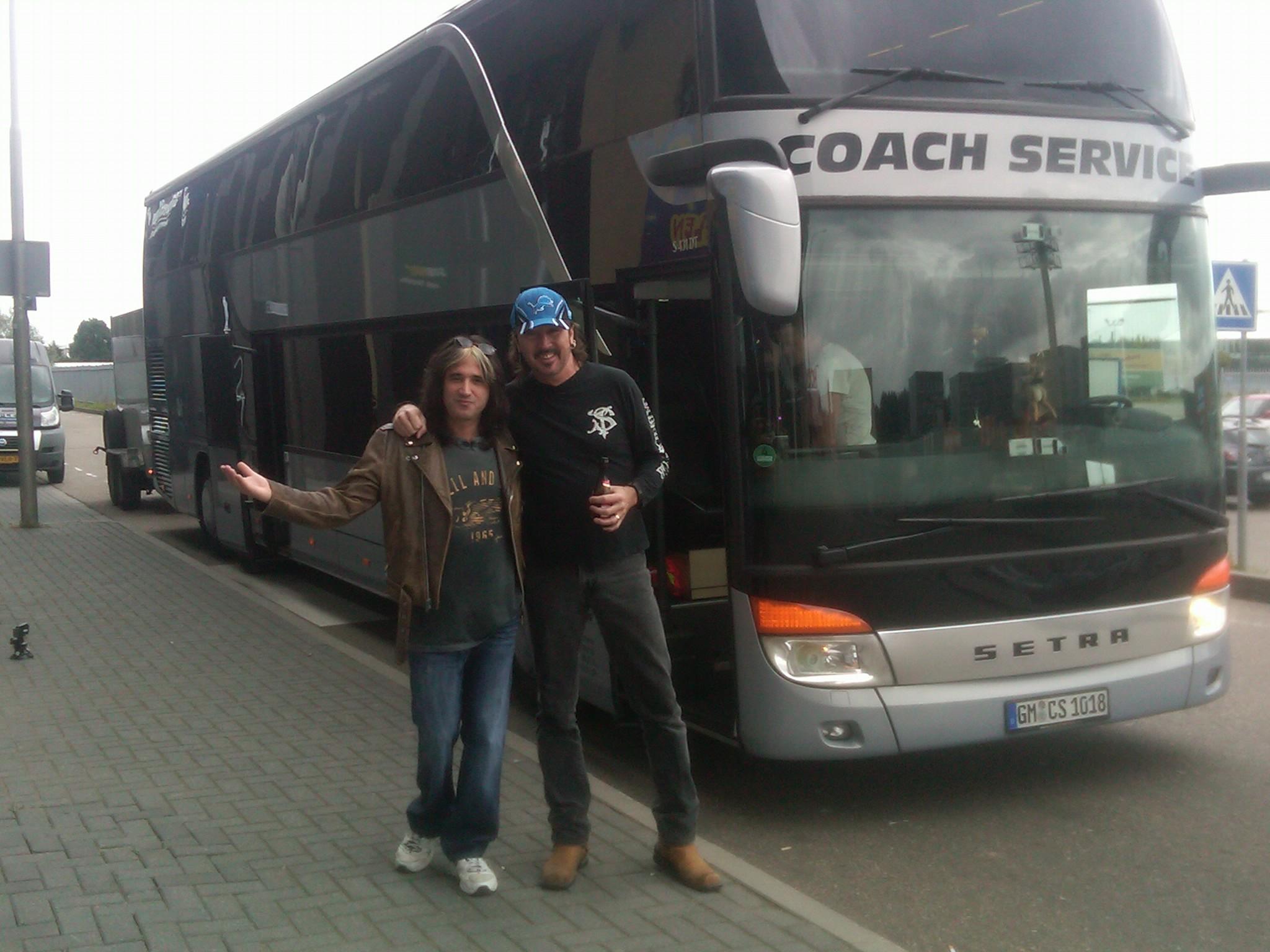 Keel Tour Bus.jpg