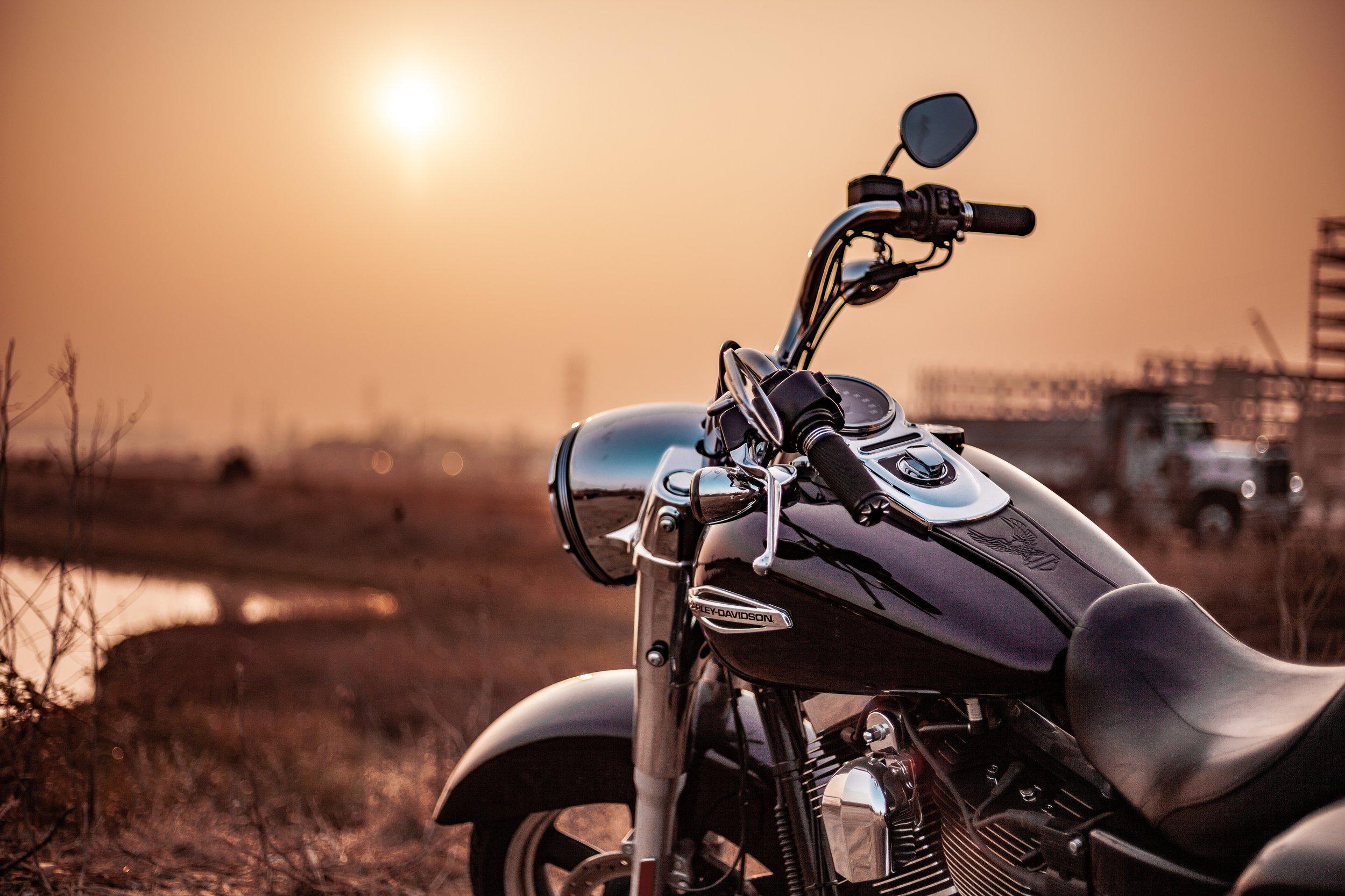 bike-dawn-dusk-2116475.jpg
